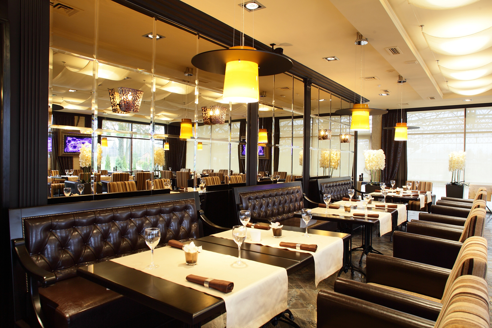 Create A Beautiful Atmosphere In Your Restaurant J Design